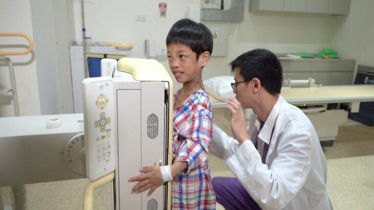 港怡醫院 — 無阻發育.治療兒童脊柱側彎有辦法 Treat scoliosis without limiting growth